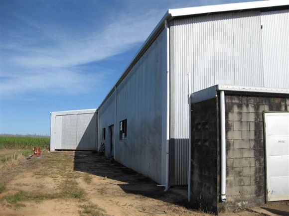 Outside view of shed, photo 3