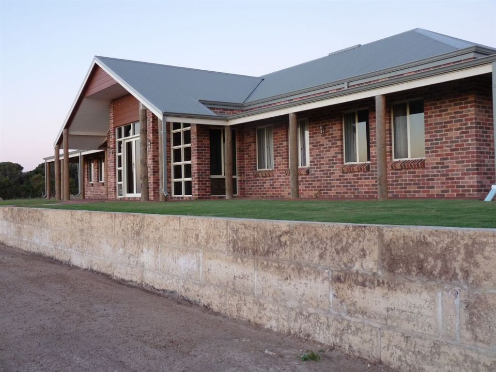 DONGARA Rural  Residence on 44 acres