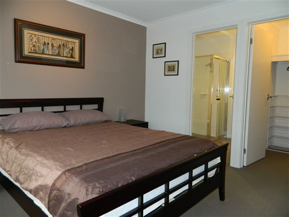 Main Bedroom w/ensuite & BIR