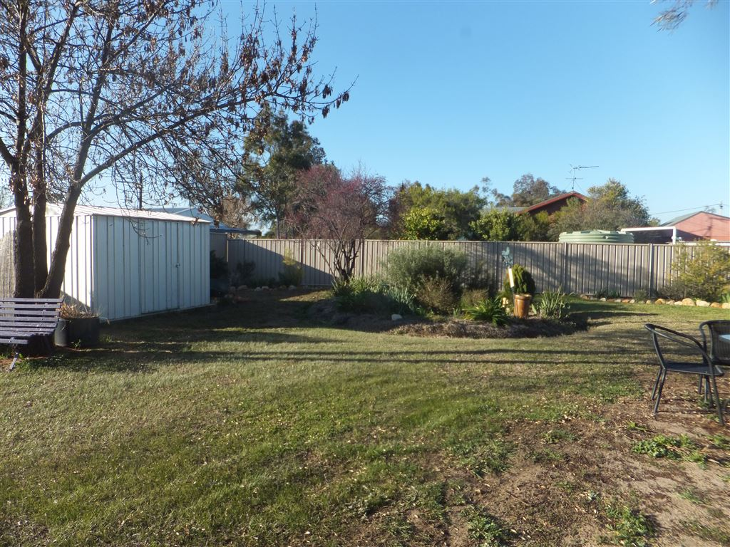 Rear yard & garden shed with fully concreted floor