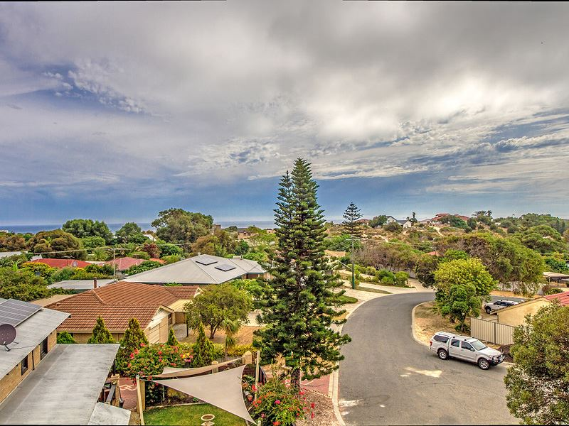 Fantastic 820m2 R20 Block with Potential Ocean Views!