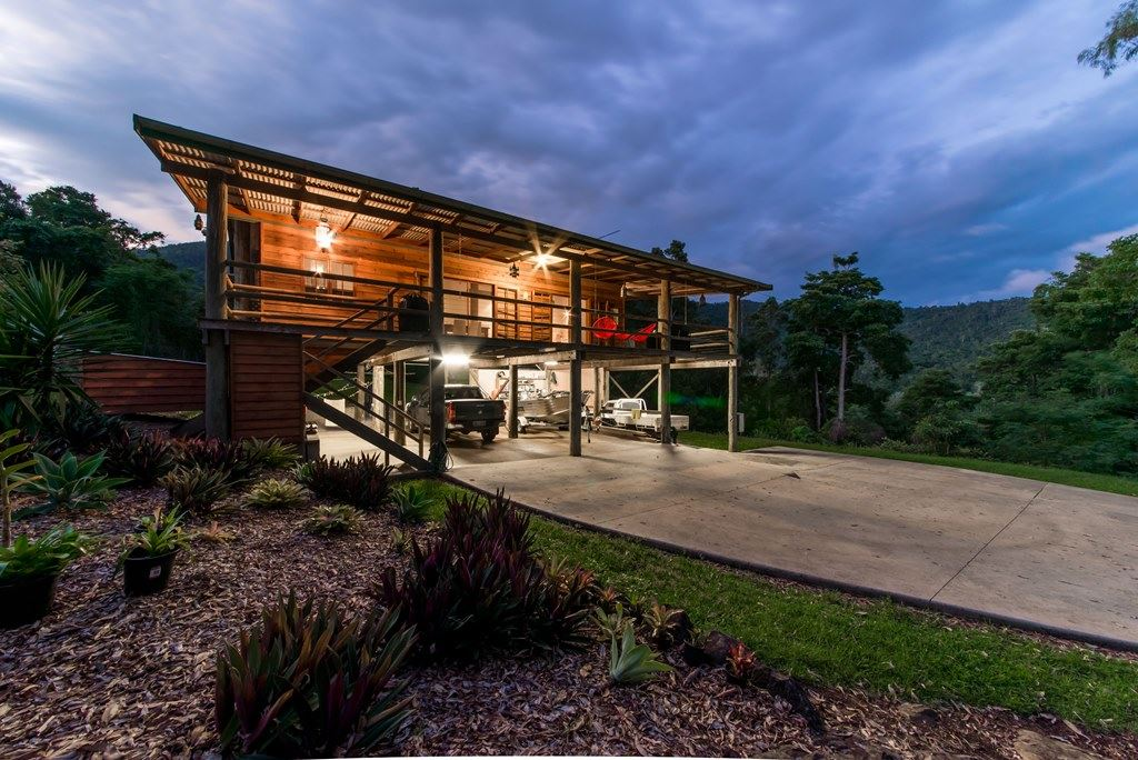 Pretty acreage property close to Airlie Beach