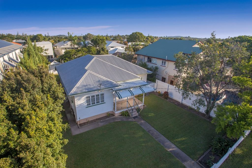 Wavell Heights - S-O-L-D by Auction