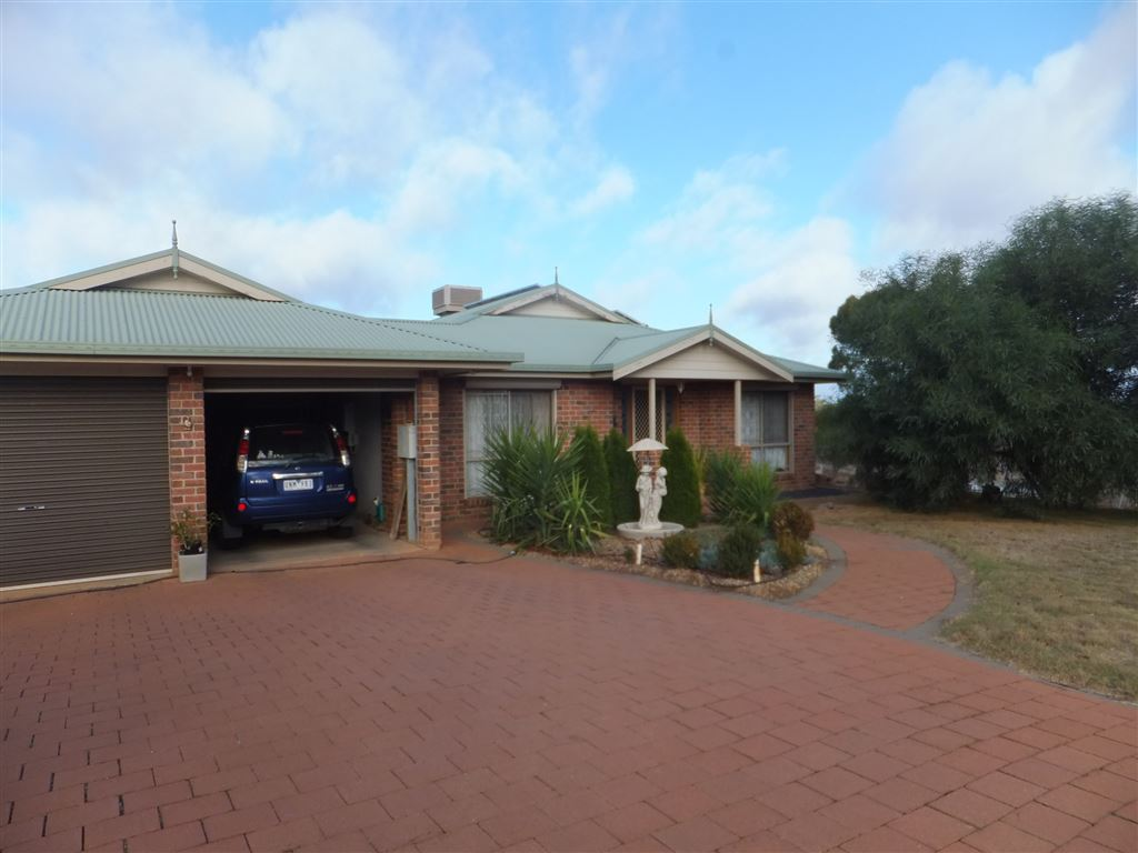 13 Athol Court, Donald with double secure garage, fully paved surrounds & two undercover outdoor living areas