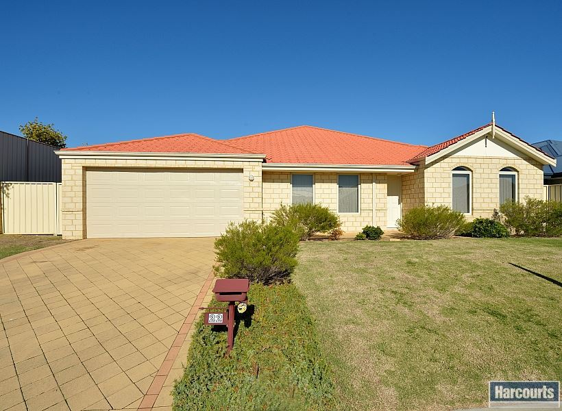 HUGE 830sqm LOT with family home!!!