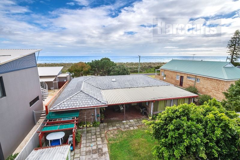 Beachfront Bungalow in Prime West Busselton Location