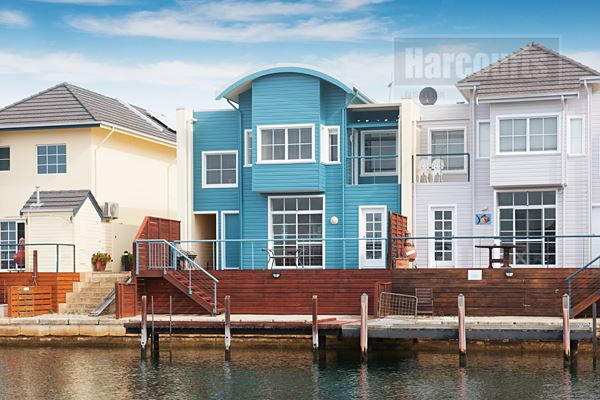 Luxury Canal Living