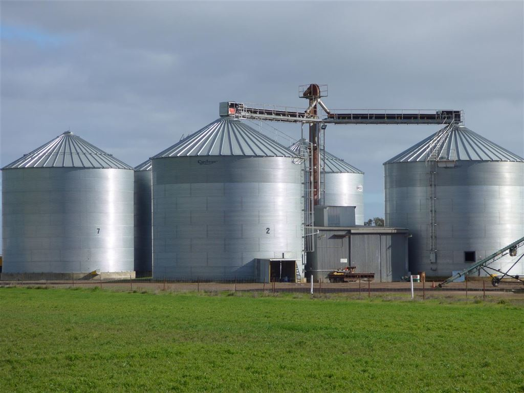 Grain Bulk Storage Facility - 17,350 ton capacity