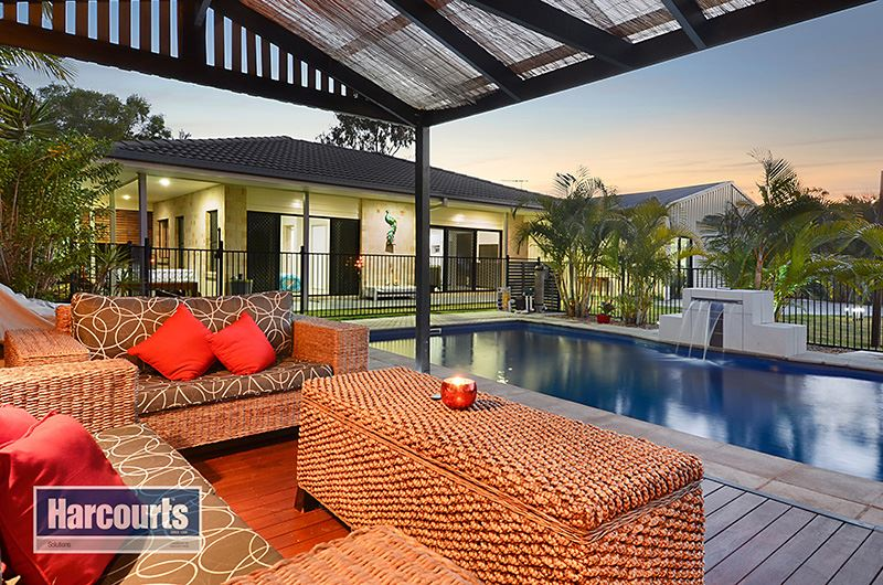 Private Oasis with Two Residences = One Ultimate Entertainer