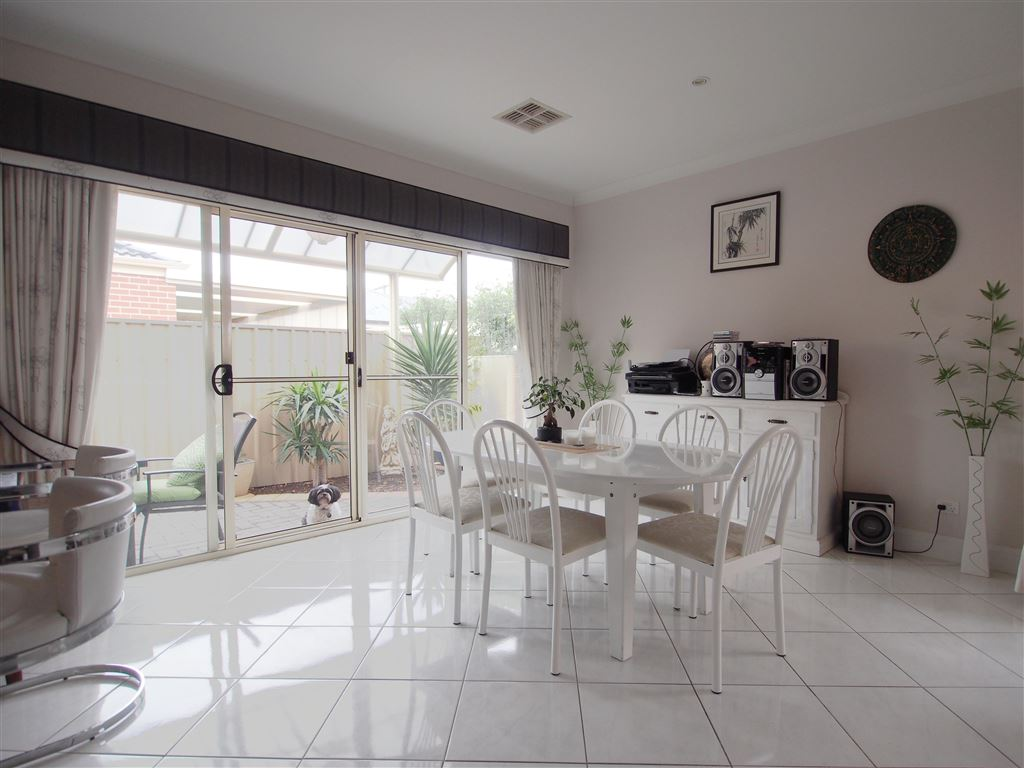 Fabulously located in the best part of Seaton!