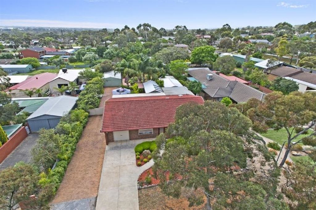 Circa 1978! The perfect family home with  loads of room