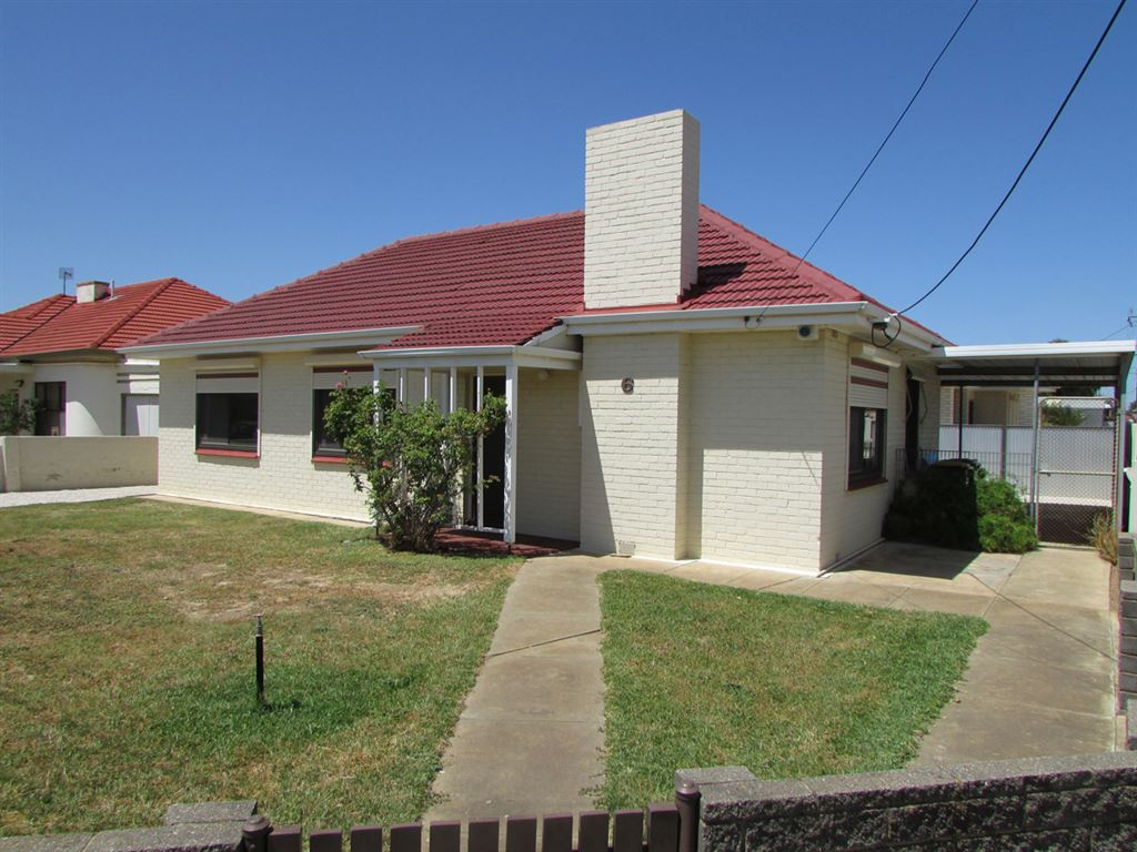 Excellent 1st Home/ Investment Opportunity