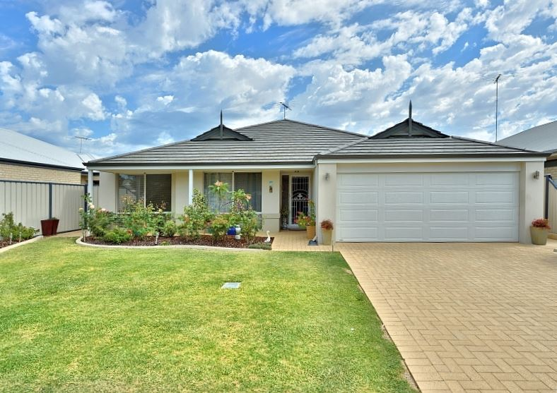HOME OPEN This Sunday 07/02/2016 between 2:00-2:30pm