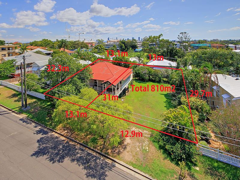 Perfect Queensland 'Renovator' on LMR-zoned 810sqms