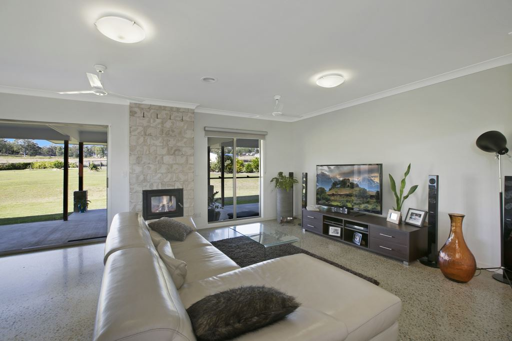 Perfect Lifestyle in Peaceful Location!