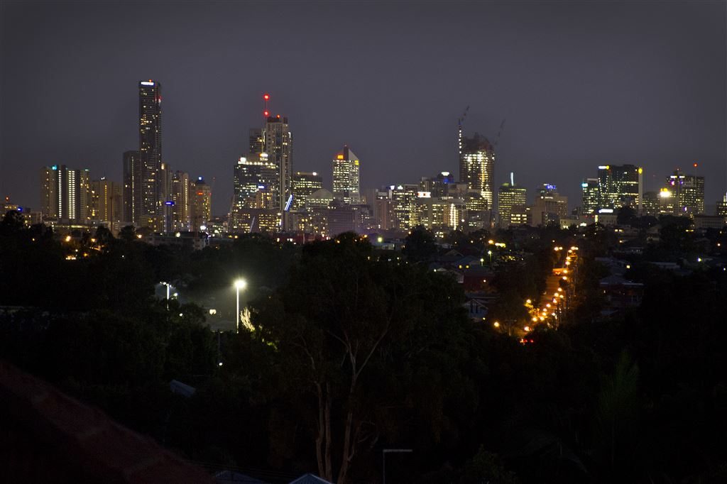 Chermside - Direct City and Mountains Panorama Views