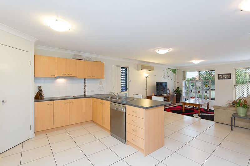 Must See - Immaculate Townhouse!!