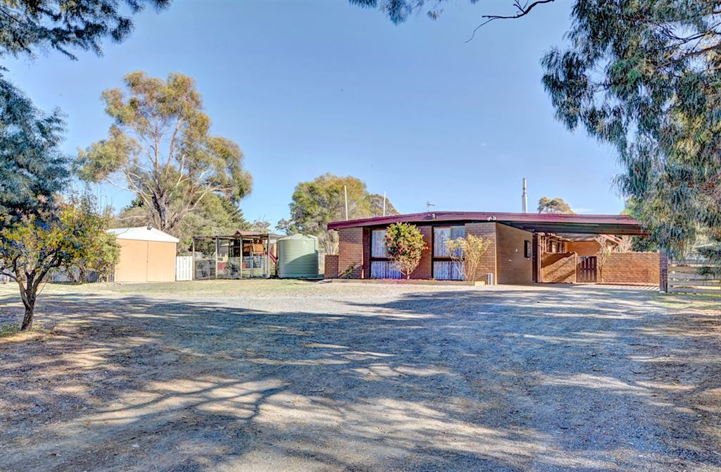 Oh So Close To Town - Approx. 4.8 Acres
