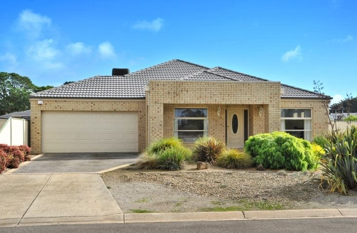 Large Family Home In Quiet Street (Over 35 sqrs)