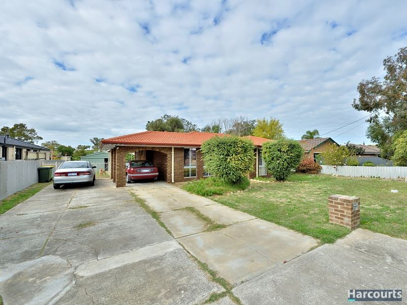 Side access, walk to train station, large shed