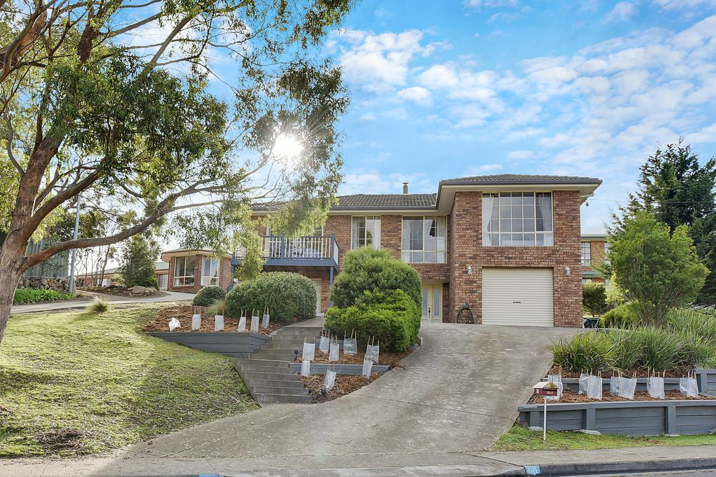 Family Home in Relaxed Bush Setting