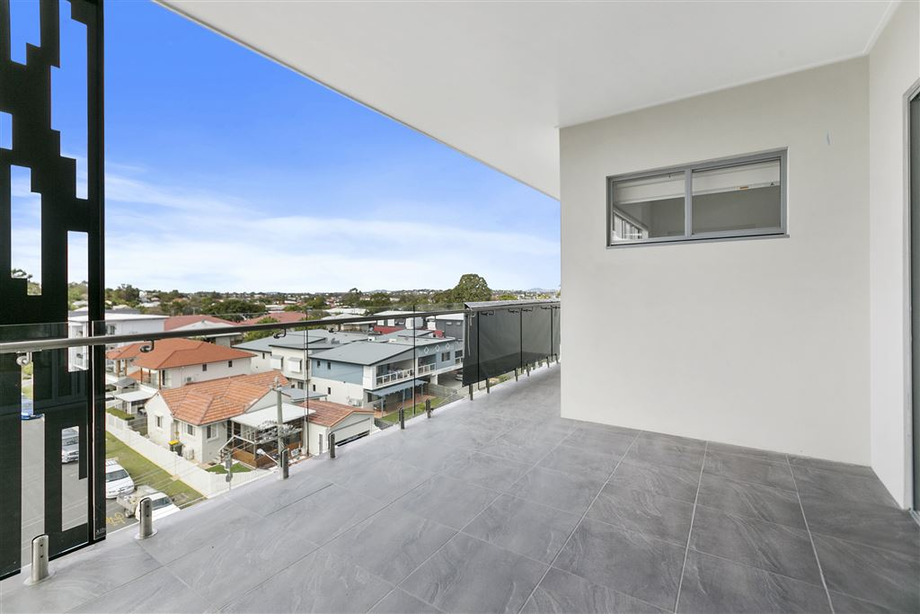 Unit 25 - Level 5 - East facing balcony with city to gateway bridge views