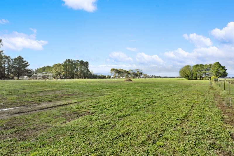 Rare Opportunity To Secure 1.5 Acre in Popular Cardigan