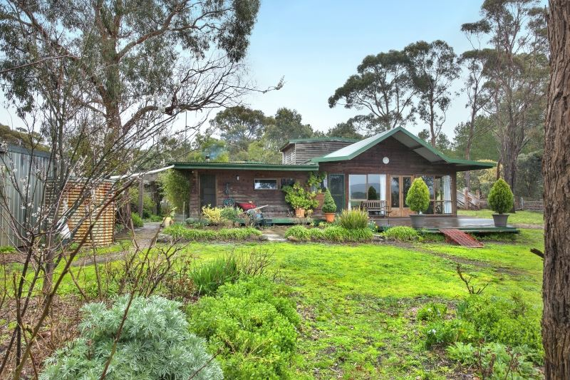 20 Acres Of Amazing Views With 4 Bedroom Home