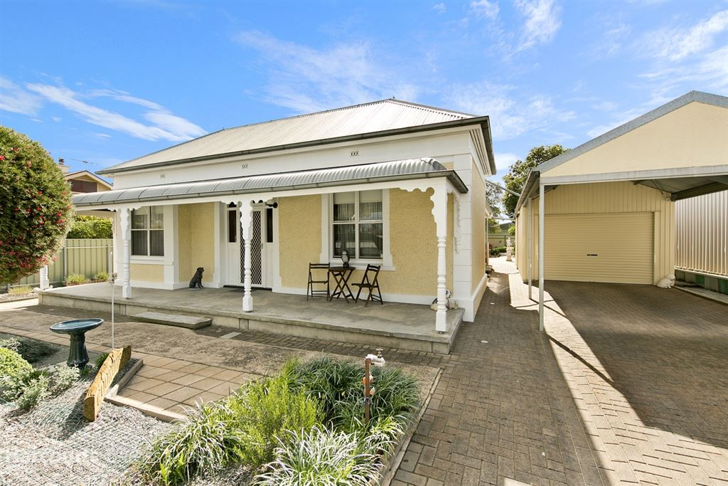 Immaculate Home with Granny Flat in Commercial Zone