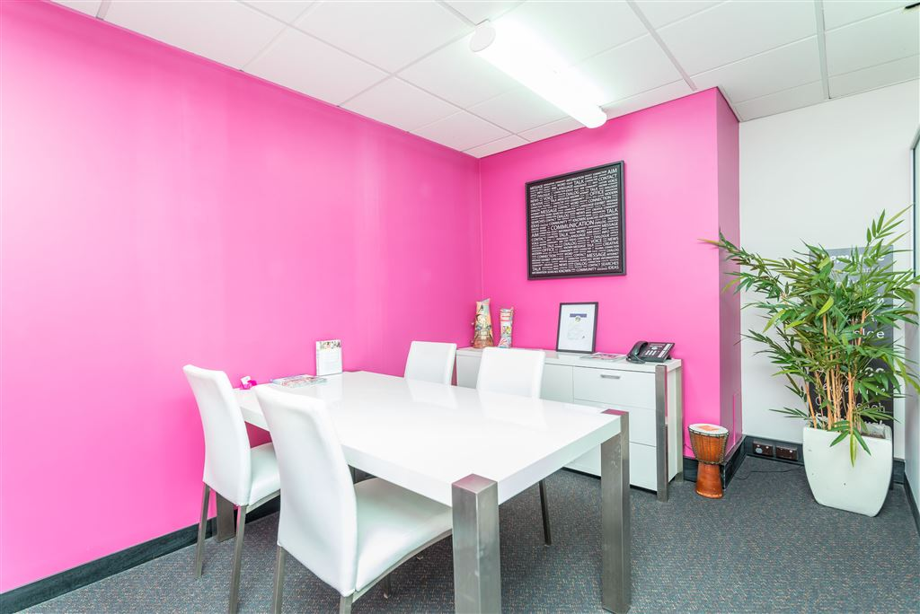 Commercial Office - Great Location in Central Fremantle!