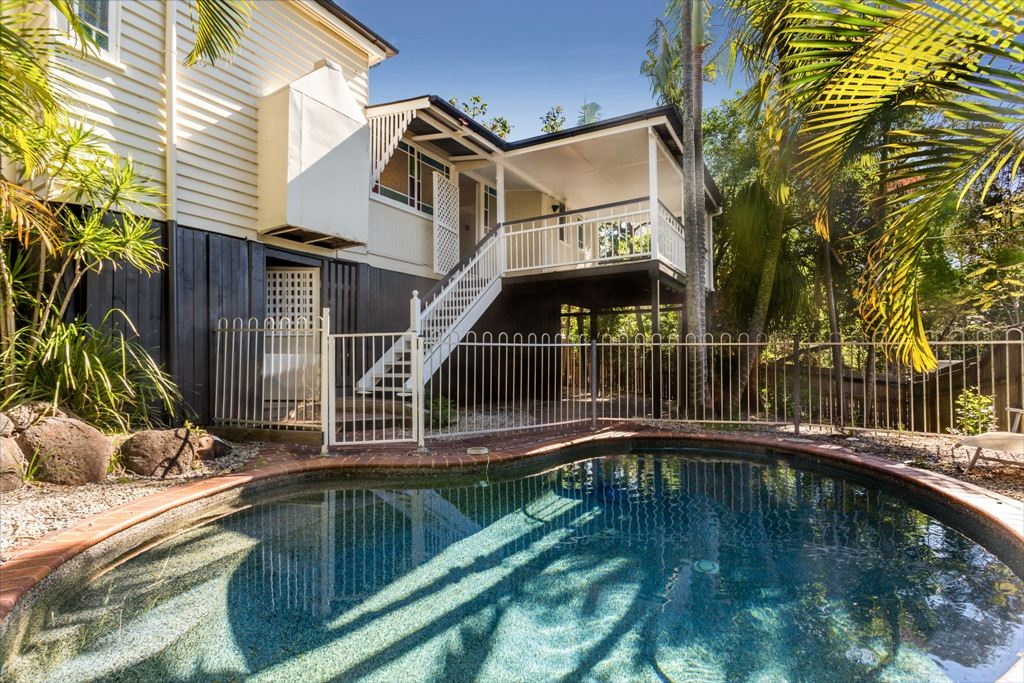Wooloowin Classic Circa 1910  REDUCED $779,000