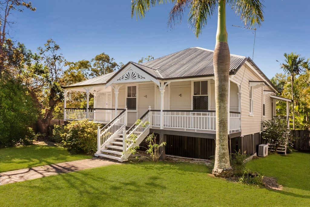 Wooloowin Classic Circa 1910  REDUCED $789,000
