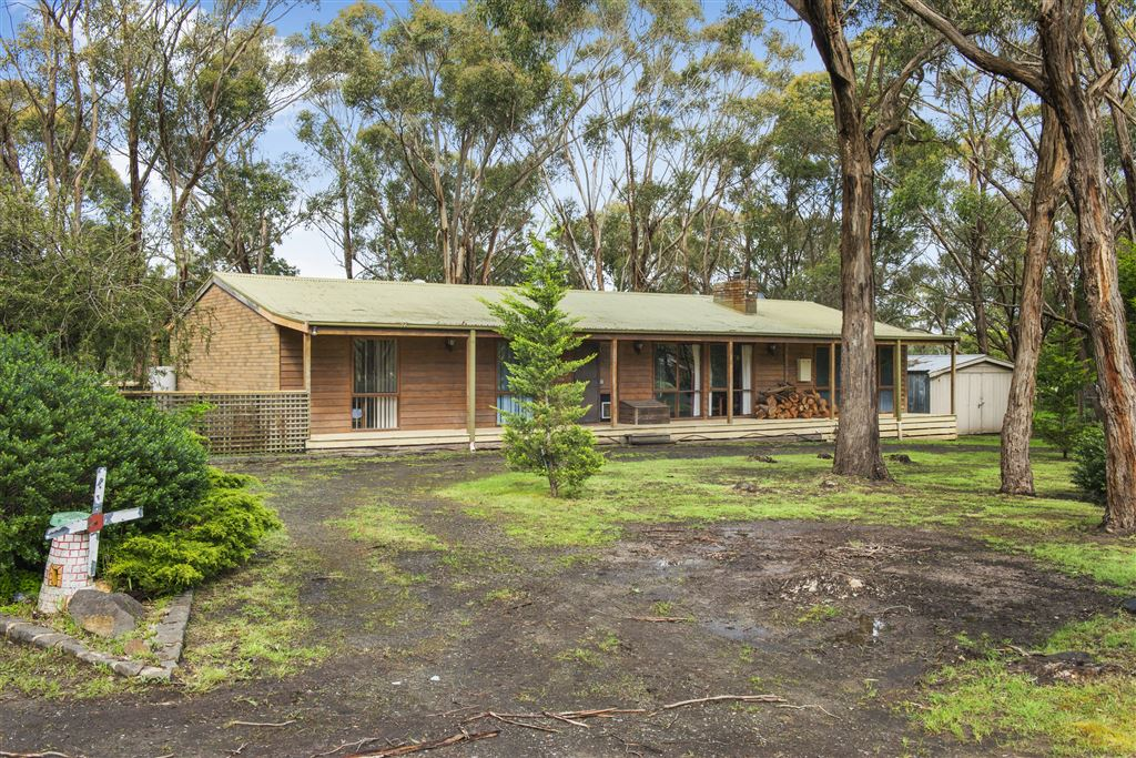 Private Country Living on 5 Acres at Popular Enfield