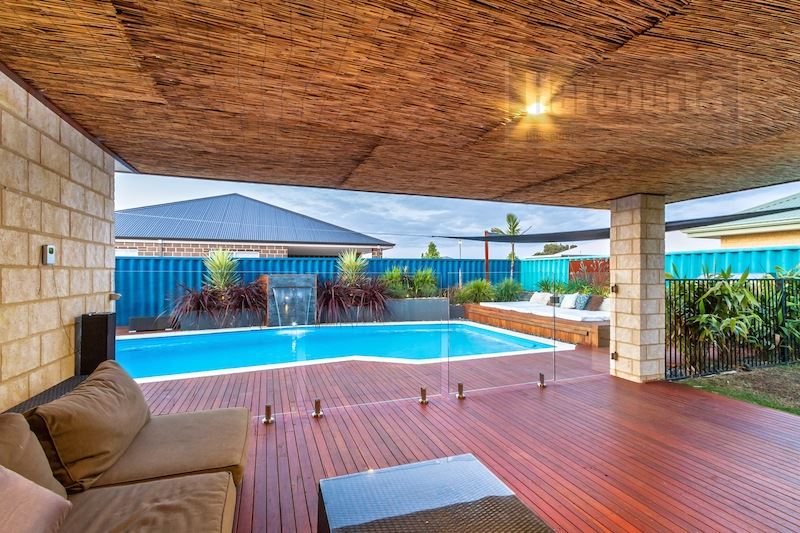 Big Family Home with Pool!