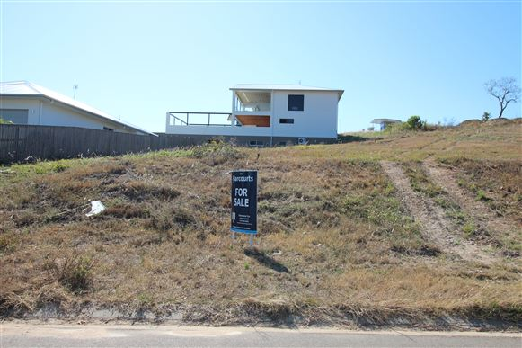 Bushland beach 16 deedes cres harcourts kingsberry for Beach house designs townsville