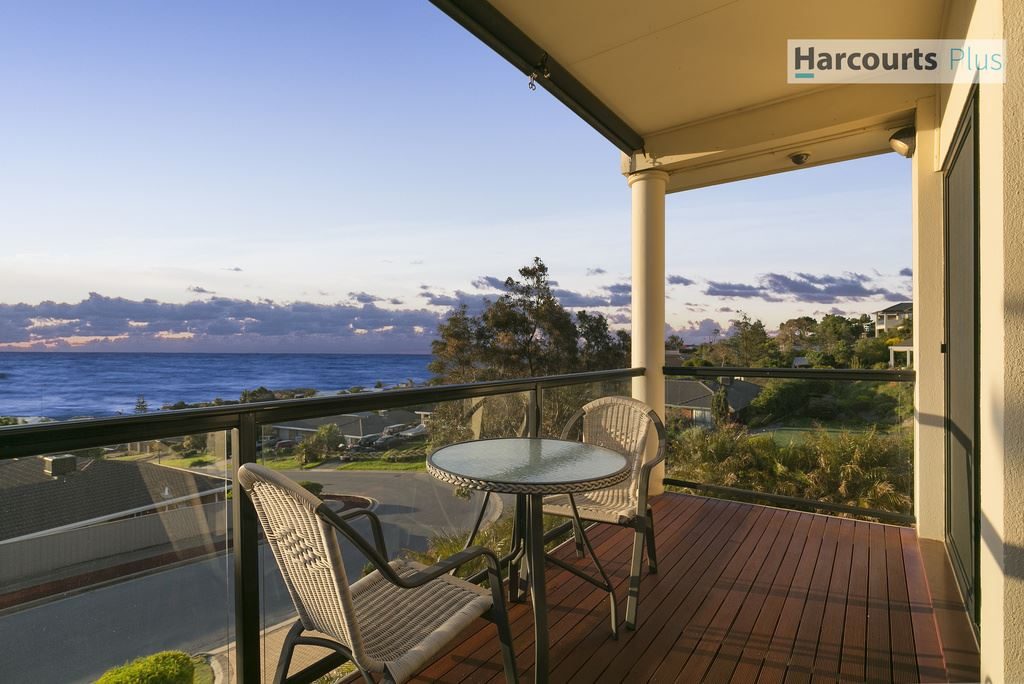 Stunning elevated coastal views of Hallett Cove Headlands!