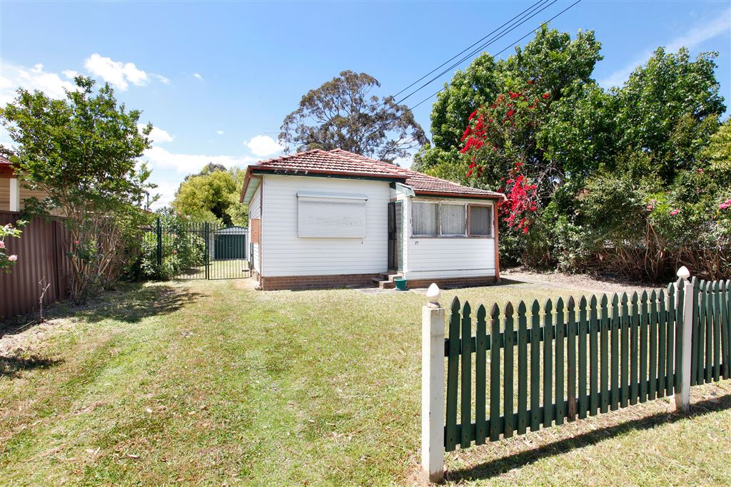 Large 695sqm Block - Don't Miss Out!