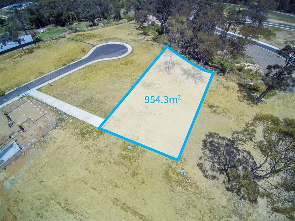 Outstanding large block in prime location!