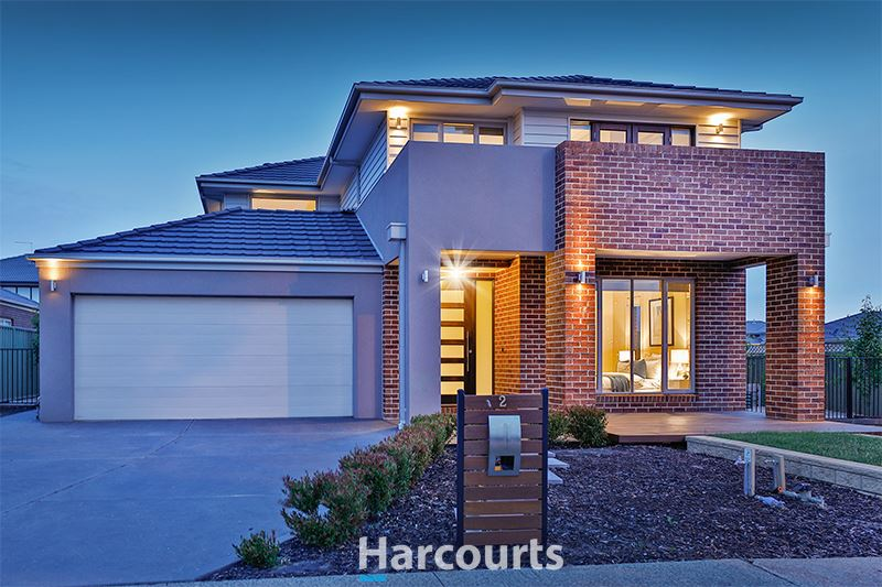 Outstanding Style and Sophistication with 5 Bedrooms!
