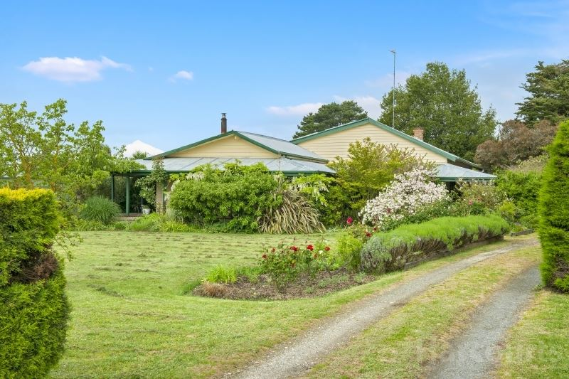 A Wondrous 3 Acre Lifestyle Property For The Entire Family