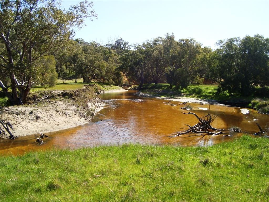 77.5 Acre Getaway - 1 hr from Wanneroo - 15min to Coast