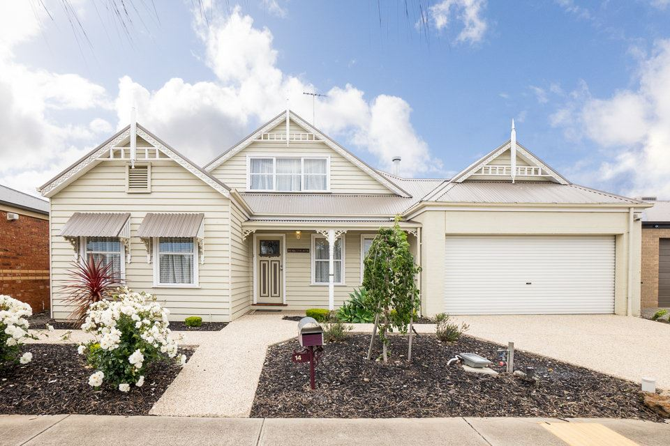 Prestigious Large Family Home - Must be SOLD!