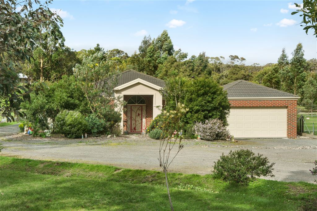 Beautiful Family Home Just 15 Minutes to Ballarat