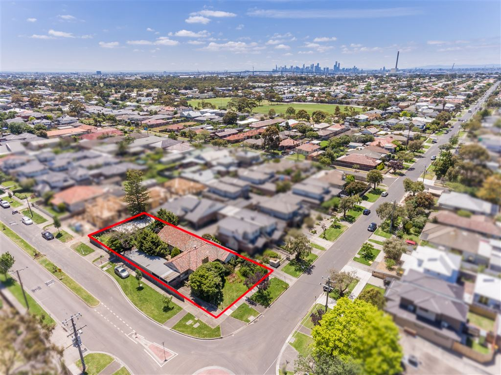 (937m²) Development/Sub-division opportunity exists (STCA)
