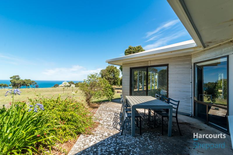 57,244sqm & stunning views. Call Megan to view home this wk.