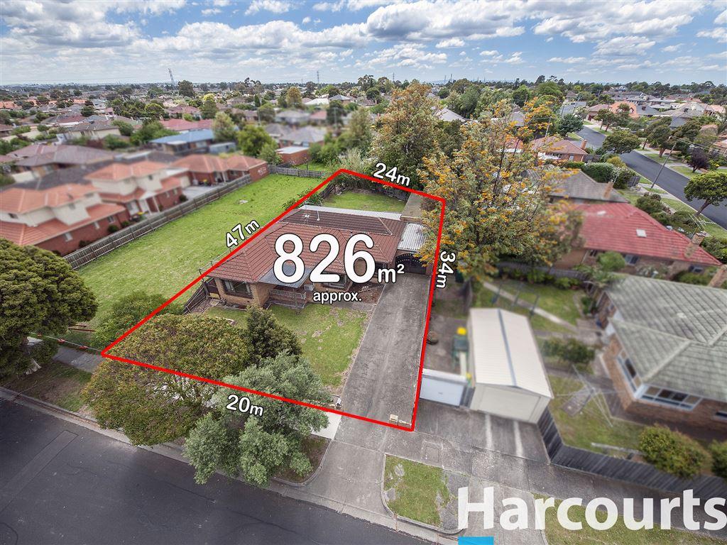 826m2 Approx In Merrilands Estate