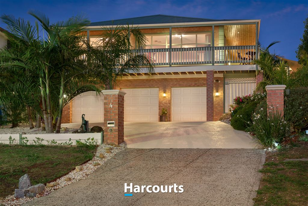 Magnificent Family Home - Exceptional Views