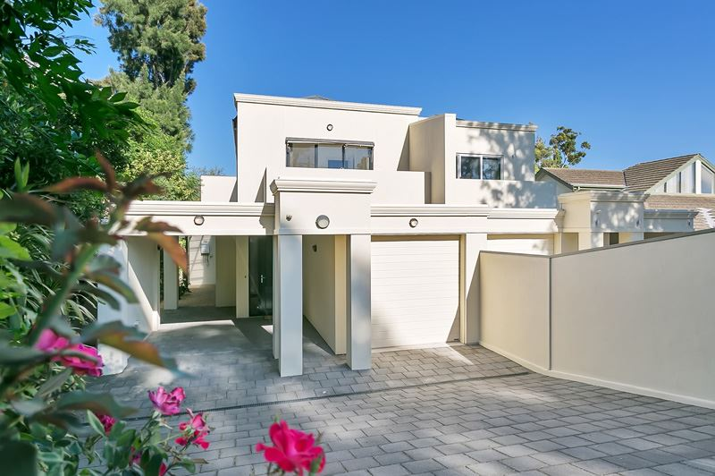Modern Living in this Contemporary & Executive Residence