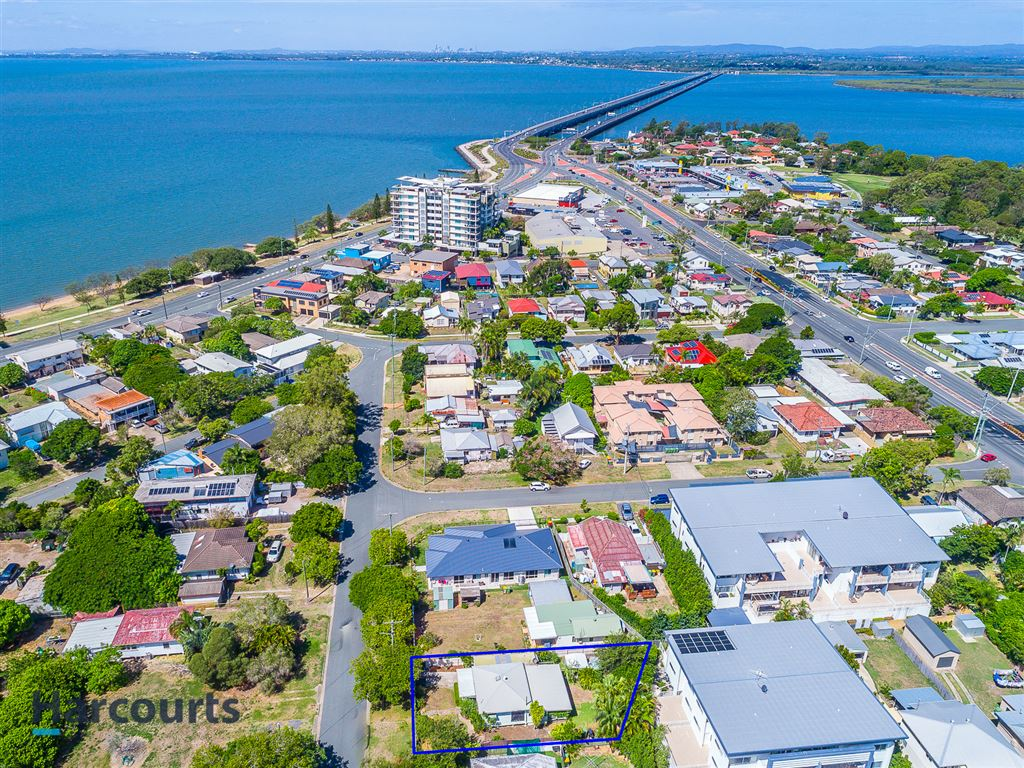 Immaculate Home - Metres to the waterfront!!!