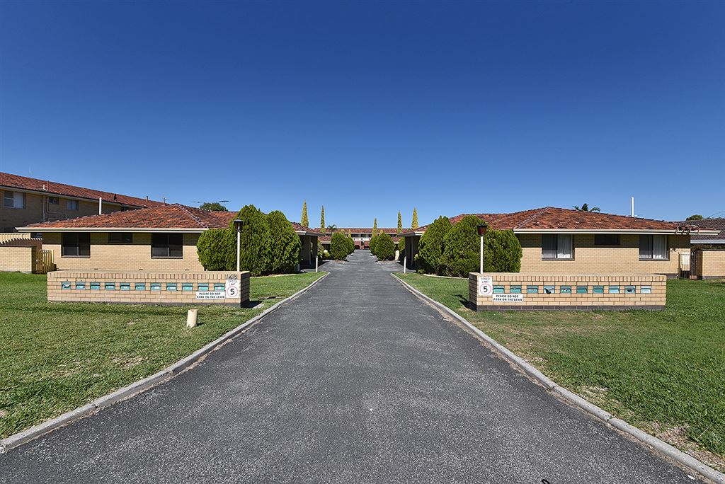 Fantastic investment opportunity to secure 6 units!